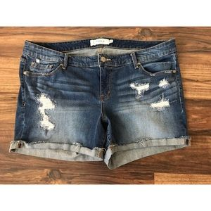 Torrid Distresed Cuffed Hem Shorts Size 20